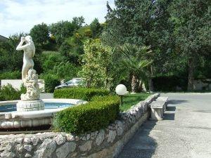 http://www.lemienozze.it/operatori-matrimonio/luoghi_per_il_ricevimento/ristorante-matrimoni-rieti/media    Scegli un ristorante immerso nel verde come location per il tuo matrimonio