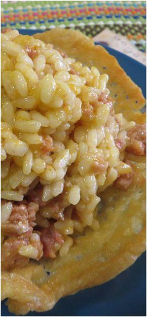 Risotto con zucca e salsiccia su cialda di parmigiano, troppo buono !! #risotto #zucca #salsiccia #cialdaparmigiano #ricettegustose