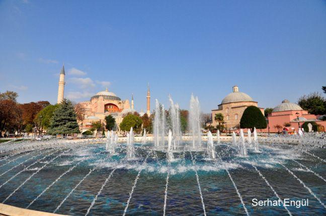 Incredible Photos of Hagia Sophia with simple explanations. Nice tour of Hagia Sophia Museum through spring photos.
