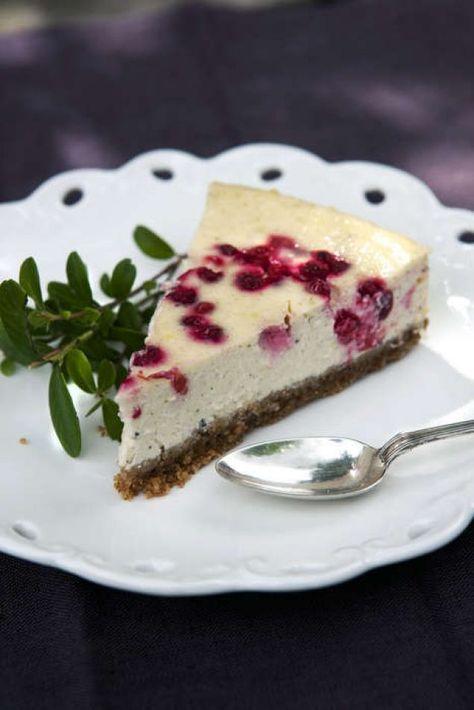 En fräsch och krämig kaka som gärna vilar i kylskåp över natten för bästa resultat.