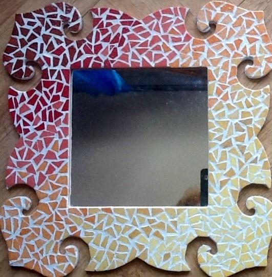 Miroir forme baroque mosaiques emaux de Briare multicolores : Mosaiques par magaline-arts