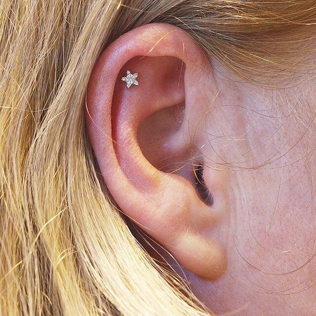 Best 25+ Cartilage piercing stud ideas on Pinterest ...