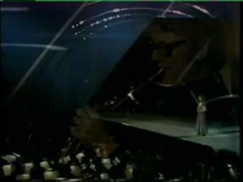 Eurovision 1975 Turkey - Semiha Yanki - Seninle bir dakika
