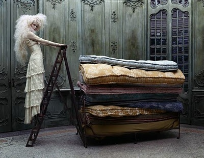 The princess and the pea - Lost in a fairy tale: Princess, Eugenio Recuenco, Photos Shoots, Tim Walker, Big Hair, Fashion Photography, Fairyt Fashion, Fashion Shoots, Fairies Tales