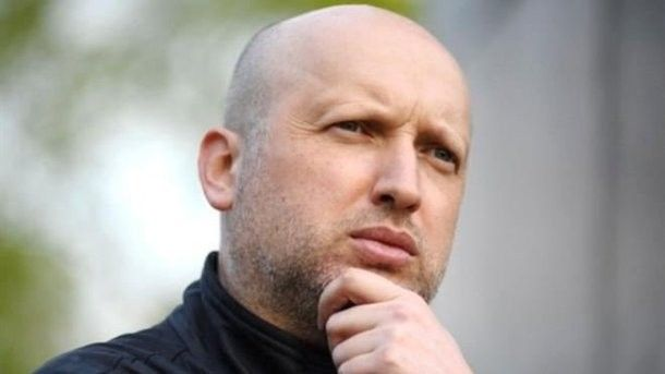 Turchynov has suggested to let Russians in Ukraine only according to biometric passports
