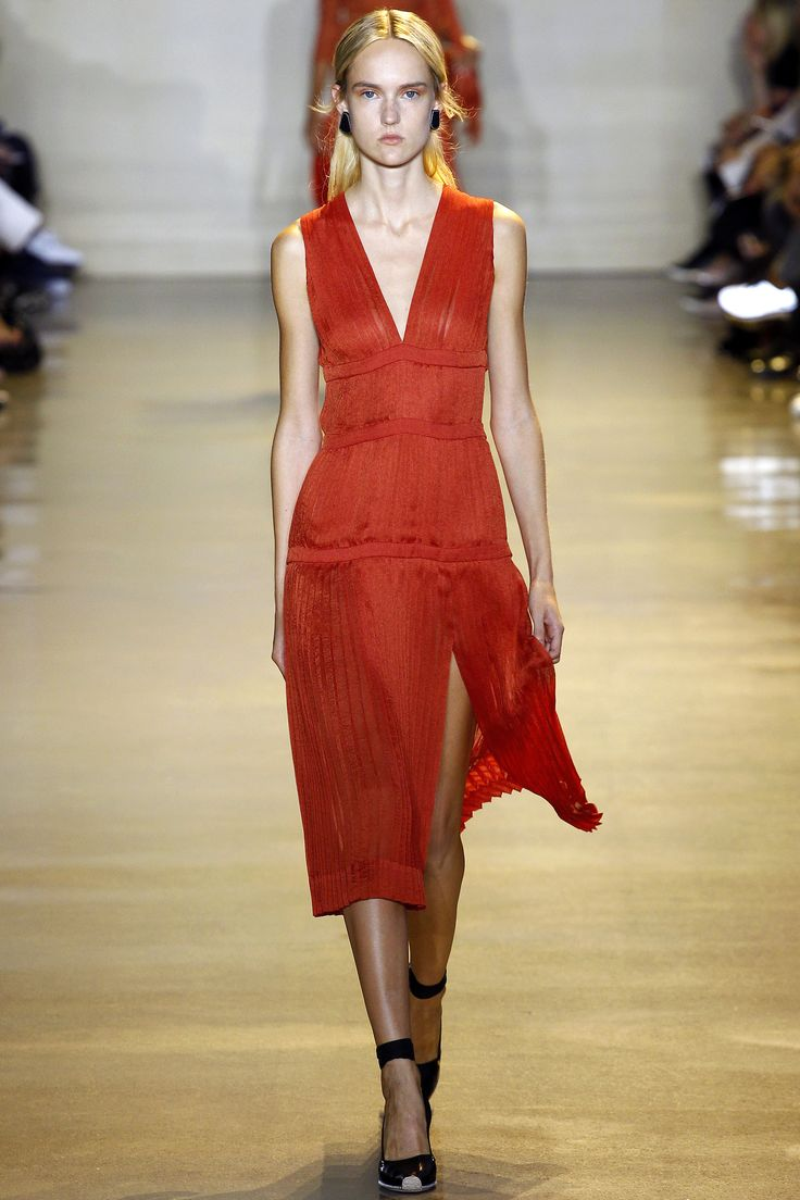 Altuzarra Spring 2016 Ready-to-Wear Collection. Look 32. Etheral and light as air, despite being red. Love it!
