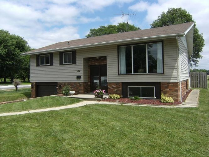 25 best bi level homes ideas on pinterest split entry for Small bi level house plans