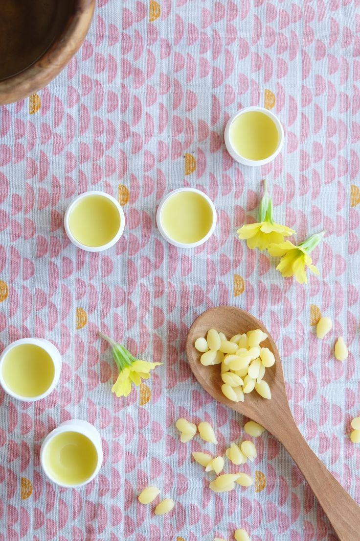 Hej Hanse: homemade lip balm with beeswax and almond oil