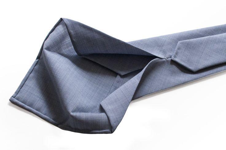 Leafer untipped necktie