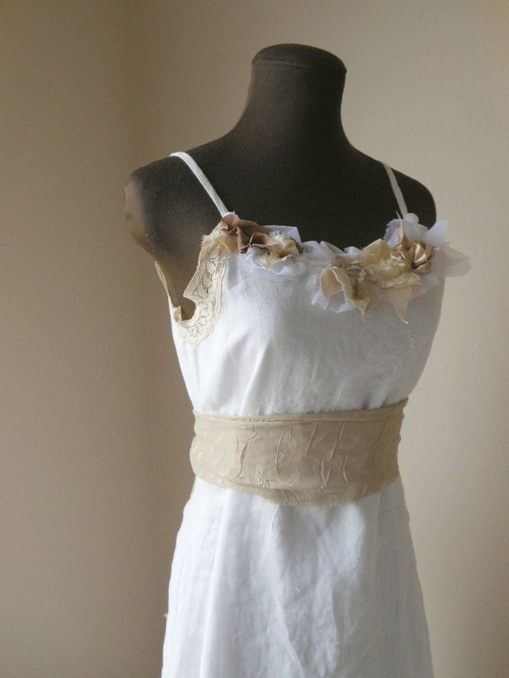 Linen wedding dress country rustic tattered shabby chic for Wedding dresses shabby chic