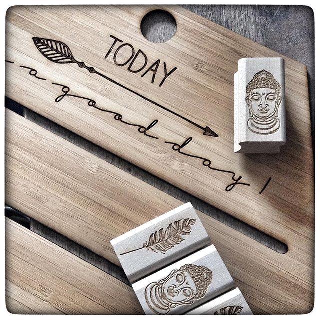 À l'atelier... #new #workinprogress  #bamboo #presentoirbijoux #jewelrydisplay #woodstamp #engraved #todayisagoodday #buddha #freespirit #feather #rubberstamp #fallcollection #editionephemere