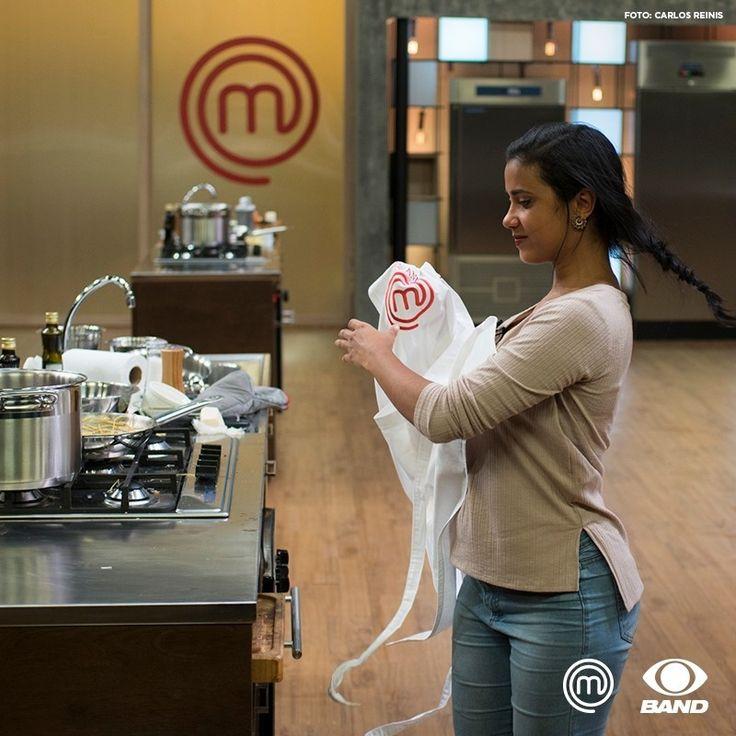 Mais uma vez a Nayane acabou eliminada. Mas ela saiu vencedora da cozinha com a experiência e as amizades que conseguiu! 🍴 #MasterChefBR #reality #JuntosNaBand  Foto: Carlos Reinis