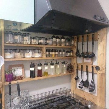 DIYでつくった棚のキッチンインテリア
