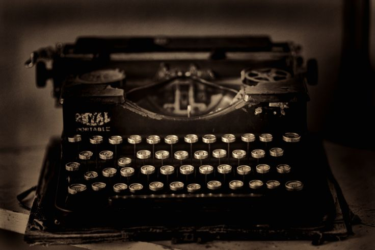 The Old Typwriter by Linda Cutche on 500px