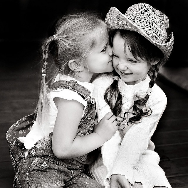 So stinkin cute!! Best Friends....wish I knew @Windy when I was little because this so would have been us!!!