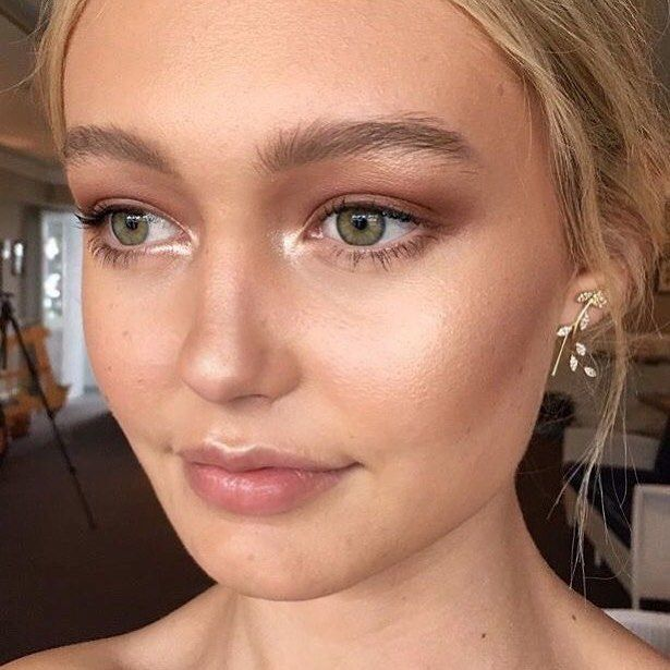 This Wednesday we're working with the talented goddess @emmachenartistry to whip up some beautiful natural looks using Dusty Girls Makeup! Stay tuned to see more 💕  .⠀  ⠀  .⠀  ⠀  .⠀  ⠀  #DustyGirls #DustyGirlsMakeup #Natural #Vegan #Mineral #Makeup #Cosmetics #Beauty #NotTestedOnAnimals #Eco #Vegan #Friendly #AustralianMade #Mua #Skin #Fresh #Healthy #Women #Twitter⠀  ⠀