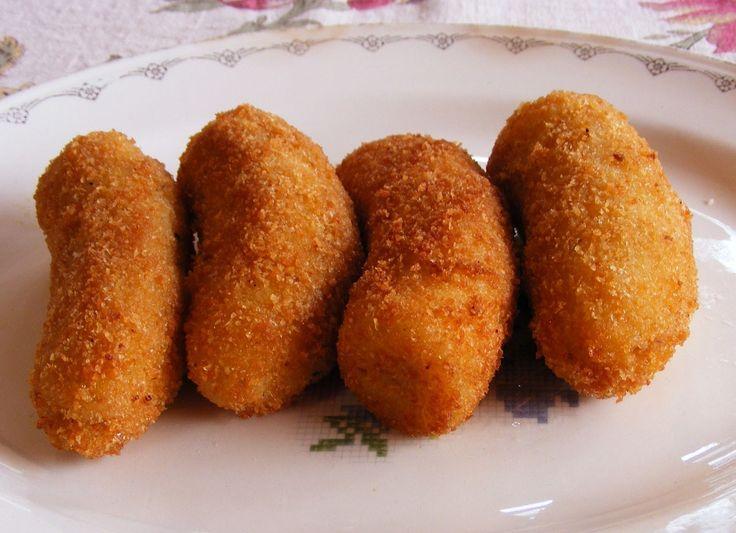 Ingredientes  Bananas nanicas maduras e bem firmes (a quantidade que desejar) Ovos batidos Farinha de trigo Farinha de rosca Óleo de milho para fritar    Modo de