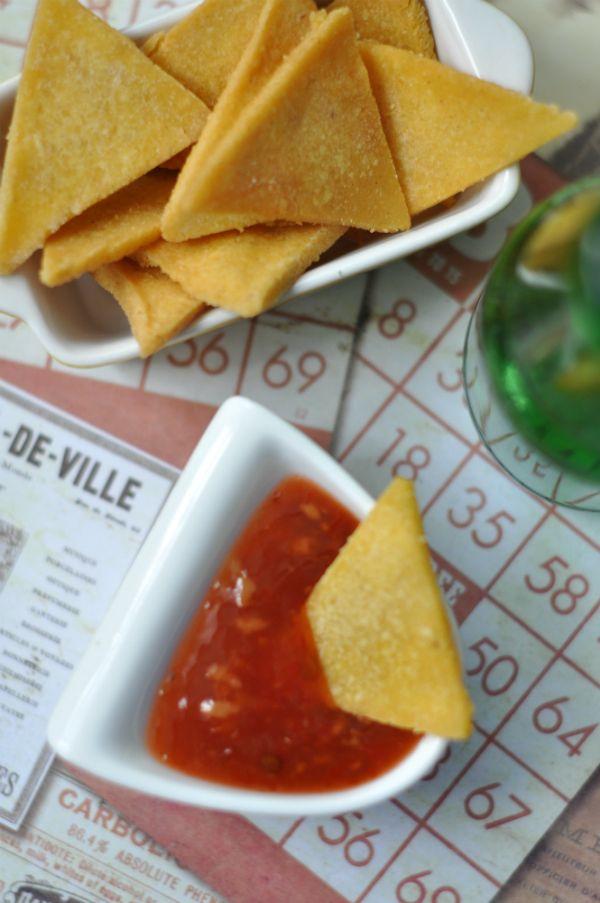 Gluténmentes tortilla chips készítése házilag Ki mondta, hogy csak a moziban lehet tortilla chips-et enni? Készítsünk otthon magunknak garantáltan gluténmentes tortilla chipset!