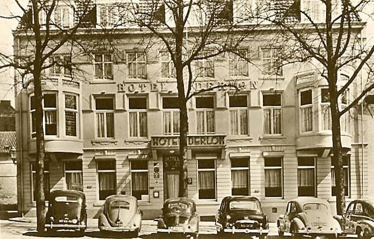 Hotel Derlon op 't Slevrouweplein.