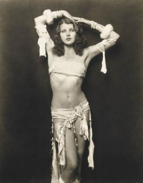 Ziegfeld girl, 1920s, photographed by Alfred Cheney Johnston.