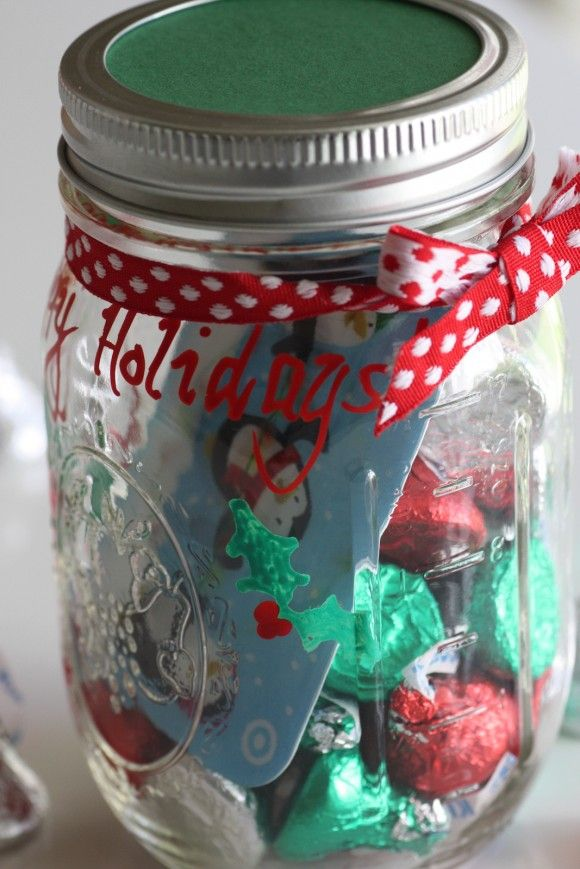 What could be better than a gift card in a jar of Hershey's Kisses! | CatchMyParty.com #GiftCardCheer #TargetHolidayGiftCard