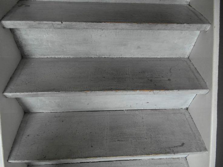 50 beste afbeeldingen over hal boven beneden en trap op pinterest grijze muren revere - Beneden trap ...