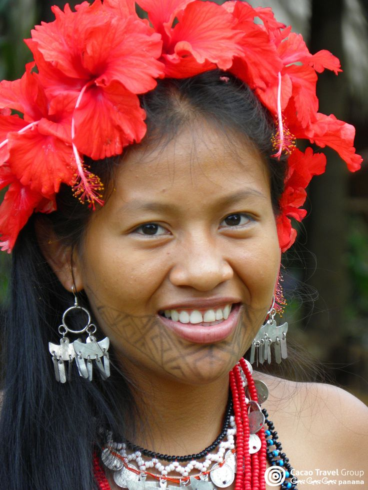 This is Andrea, a beautiful young Embera from Tusipono Village in the Chagres river. The Emberas belong to the Carib race that originated in the Amazon region. They migrated from the Choco region in Colombia (for this reason they are sometimes referred to as ''chocoes'') and settled in areas towards the East of Panama in the Province of Darien. In the 60's few Embera groups settled in the Chagres mountain range, not far away from Panama City. #Panama #Embera #Indigenous