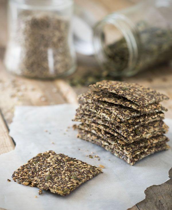 Lijnzaadcrackers recept voor gezonde crackers van lijnzaad