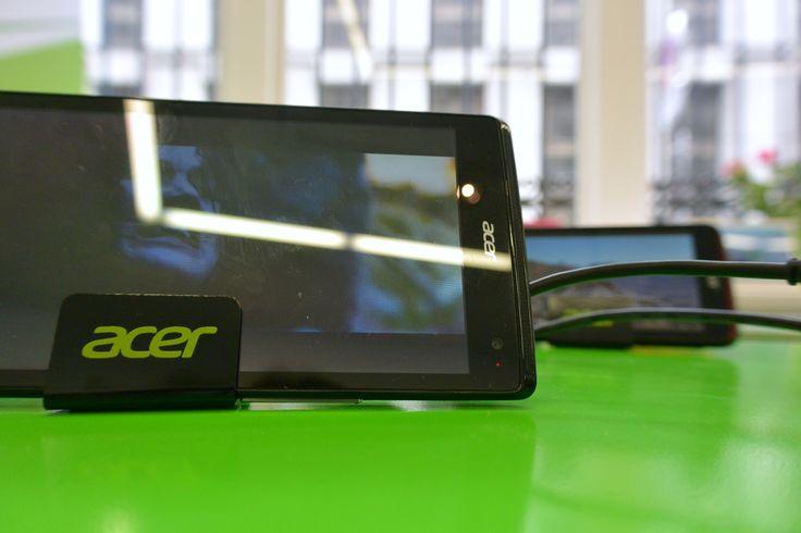 Smartphones, tablettes, ultrabook, chromebook d'Acer, qui attire toujours autant les journalistes avec des produits high-tech & design à la fois !