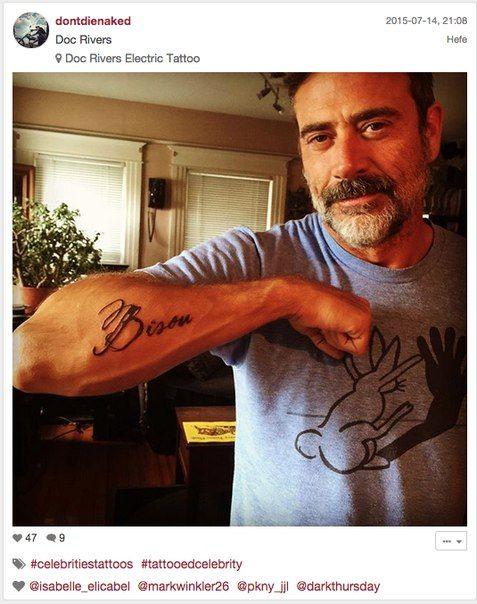 Jeffrey dean morgan bisou tattoo name of jdm 39 s dog for Jeffrey dean morgan tattoo hand