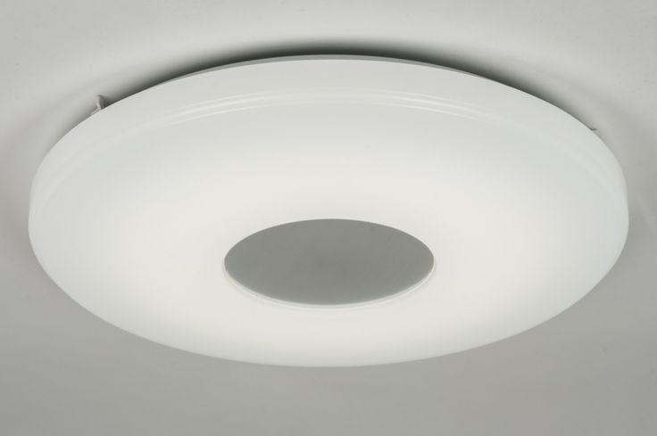 Artikel 10449 Mooie, grote plafondlamp, voorzien van LED, uitgevoerd in een combinatie van kunststof en staal. Bijzonder aan deze lamp is dat de lichtkleur, geheel naar wens, is in te stellen van warmwit tot daglicht (3000 - 5500K). https://www.rietveldlicht.nl/artikel/plafondlamp-10449-modern-design-wit-kunststof-staal_rvs-rond