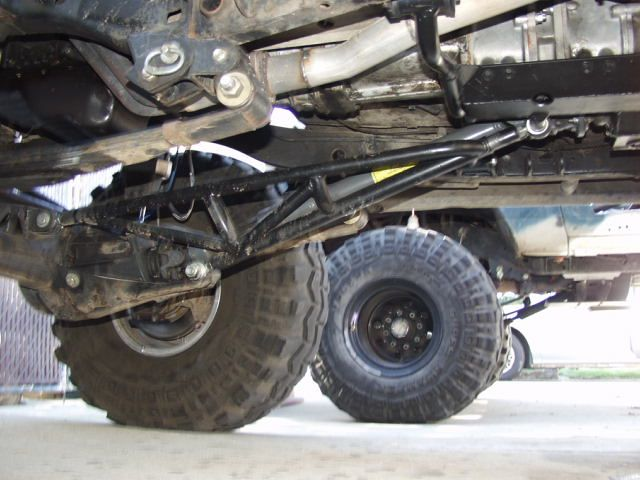 The Trick To Ladder Bars And Leaf Springs On Lifted Jeeps Is To