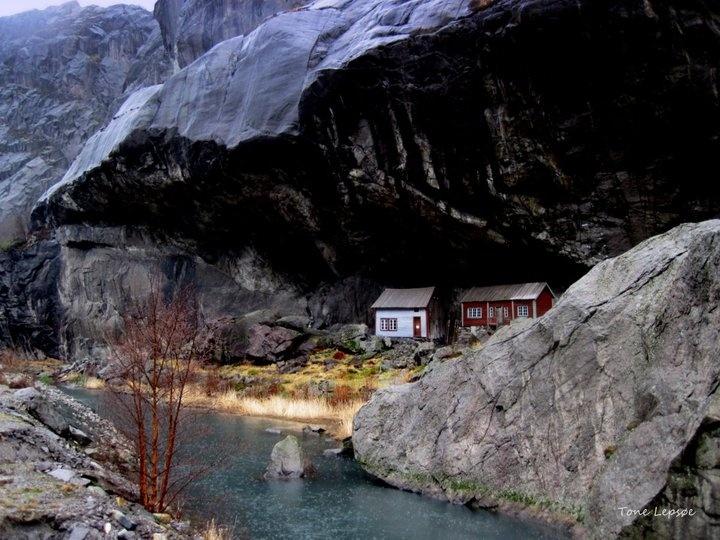 Helleren, between Egersund and Flekkefjord, Rogaland Norway, by Tone Lepsøe.