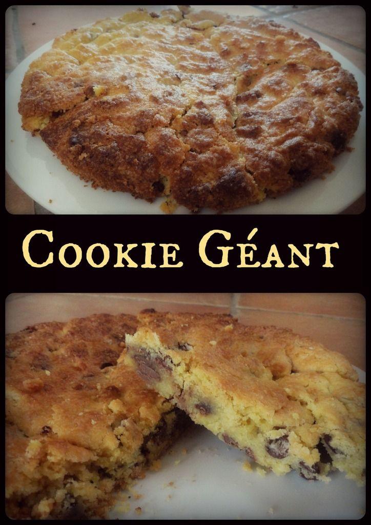 Cookie Géant Voilà enfin un cookie qui arrivera à rassasier votre gourmandise ! Il est énorme, délicieux et surprenant! L'extérieur est croustillante et l'intérieur très moelleux. Réalisé avec les pépites de chocolats de mon Partenaire : http://www.lecomptoirdemathilde.com/...