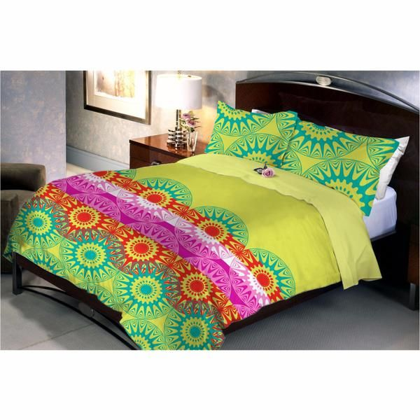 Leafy Green Bed Sheet Is Having A Lovely Cool Appearance Which Nourishes Both Eyes And Mind. The Pink Strip Gives A Feeling Of A Lane Of Pink Flowers In A Garden.