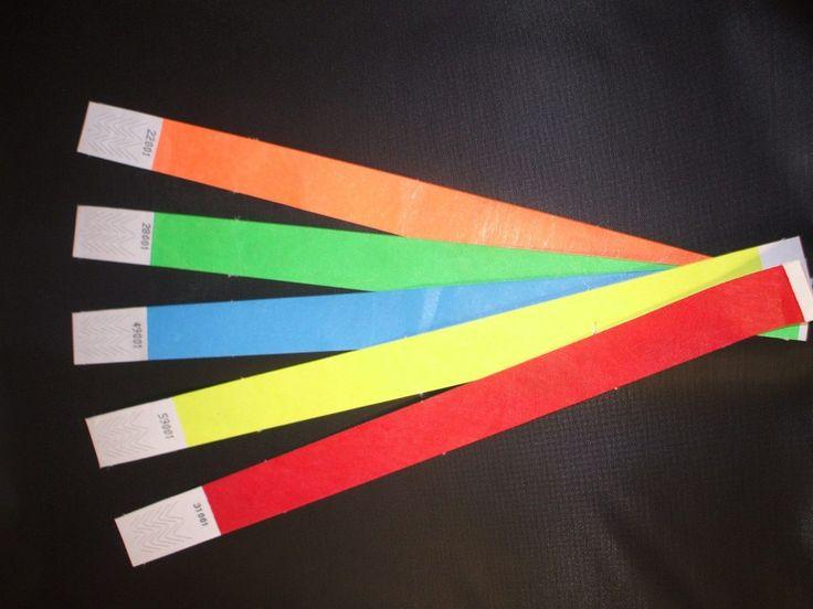 Utiliza los colores de la pulsera fluorescente Tyvek para llevar a cabo un mejor control de acceso en temas referentes al control de la edad, restricción de accesos, secciones VIP, eventos promocionales, hoteles, fiestas, bares, eventos deportivos, eventos sociales, ferias, bares o parques temáticos.