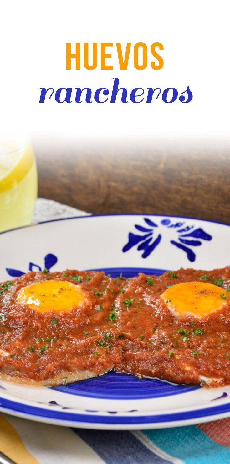 Un tradicional huevo ranchero tiernito, acompañado con una crujiente sincronizada de jamón y queso y una picosita salsa ranchera. Disfruta de las distintas texturas de este platillo.