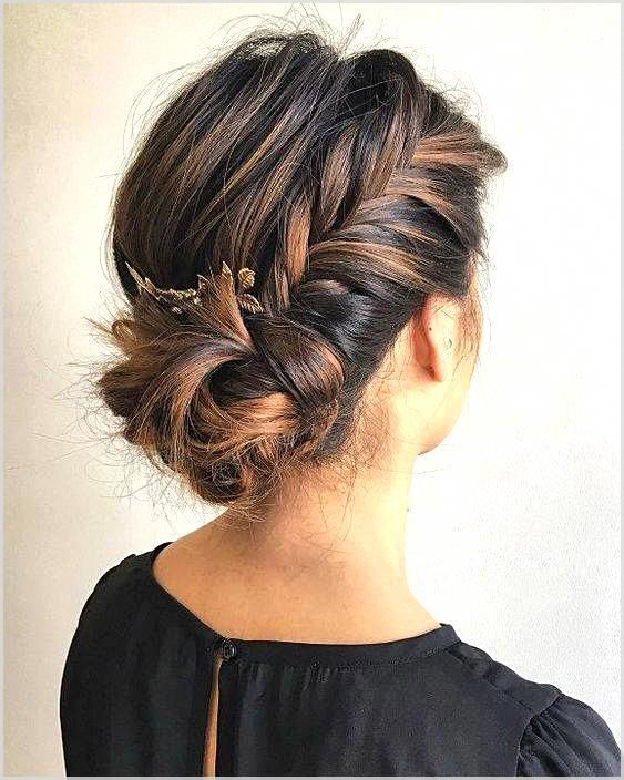 Low Chignon is really a sleek bridal hair messy bun which looks surprisingly beautiful on bridesmaid too. #weddinghairstyles #coolhairstyles #easyhair...