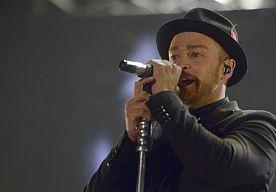 11-Jul-2014 10:18 - JUSTIN TIMBERLAKE VERRAST ZIEKE FAN MET SHOW. Justin Timberlake heeft de 12-jarige Robbie Twible donderdag de avond van zijn leven bezorgd. De zanger zorgde ervoor dat de jongen, die lijdt aan een ongeneeslijke huidziekte, vooraan zat bij zijn concert in New York. Robbie had geen idee wat er die avond op hem te wachten stond totdat er een limousine voor zijn deur stopte. Het kereltje mocht samen met zijn zusje en ouders naar de show van Timberlake. De zanger droeg...