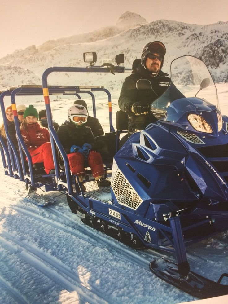 A picture of a picture - snowscooter tour - bus driving in Greenland, Sisimiut