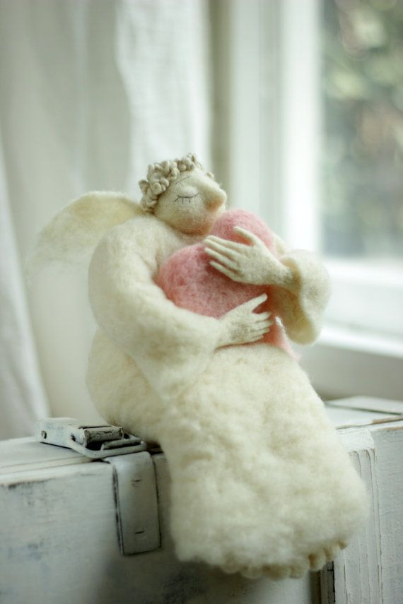 Dreamy  Angel with A Big Pink Heart  Needle от FeltArtByMariana, $160.00
