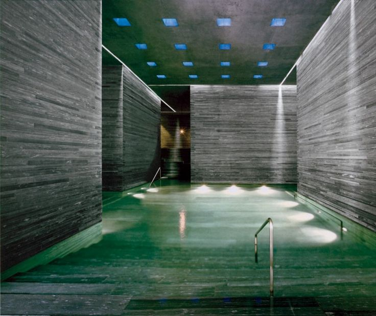 Omg the thermal bath walls and pool made of vals gneiss for Design hotel vals