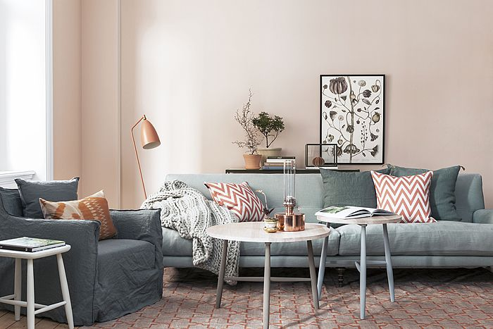 new color scheme: grey and a very light coral / orange / pink. via solrum: måla med tapet.