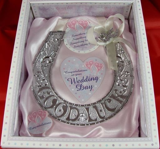 So cute... Can change it around alittle for bridemaids gift ;)