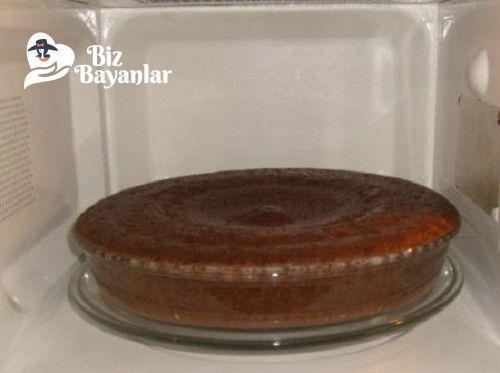 Mikro Dalgada Islak Kek Tarifi nasıl yapılır? Mikro Dalgada Islak Kek Tarifi malzemeleri, aşama aşama nasıl hazırlayacağınızın resimli anlatımı ve deneyenlerin yorumlarıyla burada