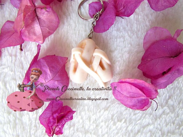 Ciondolo scarpette ballerina / danza, realizzate in fimo. Bello, utile e fantastico come idea regalo. Per informazioni >> http://coccinellecreative.blogspot.it/2015/06/scarpette-ballerina-danza-rosa.html Pendant shoes dancer / dance, made of polymer clay. Beautiful, useful and great gift idea. For information >> http://coccinellecreative.blogspot.it/2015/06/scarpette-ballerina-danza-rosa.html
