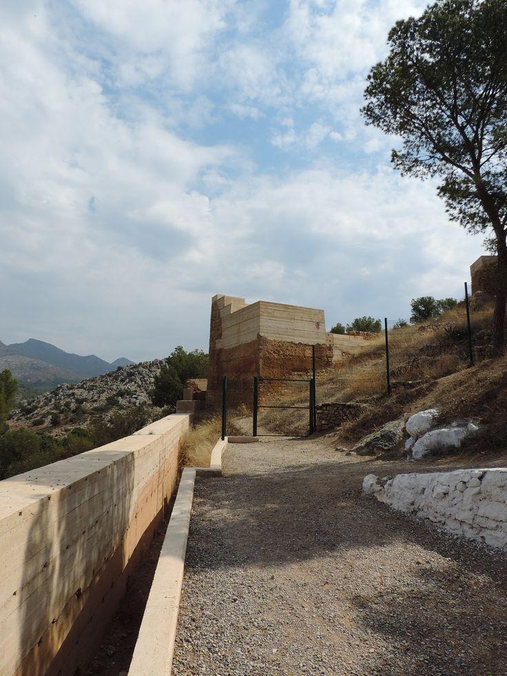 La torre d'accés al poblat del Castell Vell