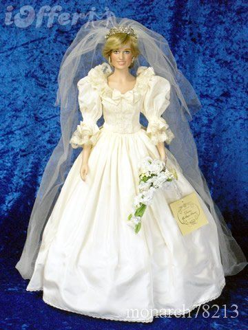 Danbury Mint Princess Diana bridal doll.
