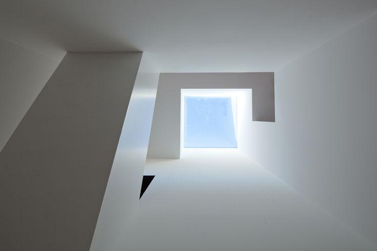 52f1b92be8e44e0b6d000109_casa-da-maternidade-pablo-pita-arquitectos_02.jpg 2,000×1,335 pixels