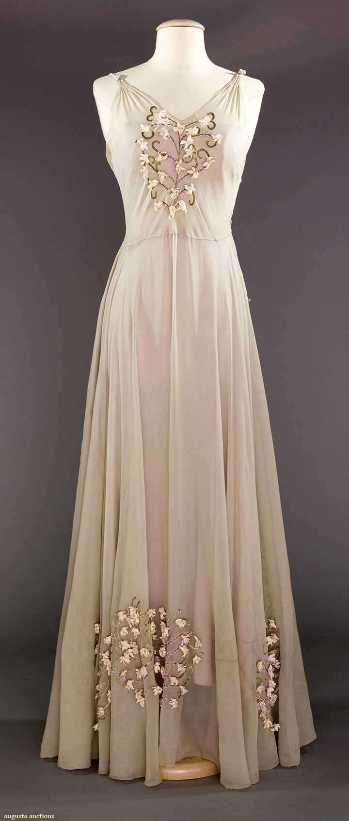 PALE GREY CHIFFON EVENING GOWN, c. 1937